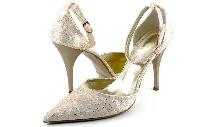 pantofi aurii